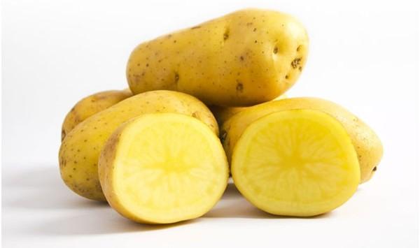 Bí quyết trị mụn đầu đen và mụn cám với khoai tây cực kì hiệu quả-1