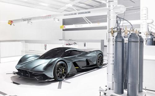 Giá của Aston Martin Valkyrie dự kiến sẽ là 3,2 triệu đô-la.