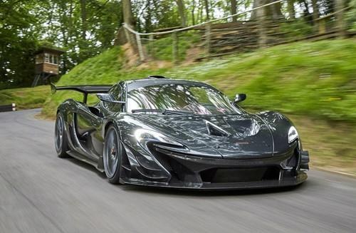 Chỉ có 6 chiếc được sản xuất, McLaren P1 LM có giá rơi vào khoảng 3,6 triệu đô-la.