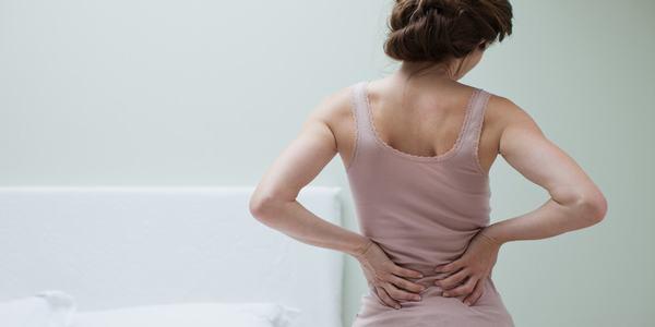 Ngay cả chứng đau lưng khó trị cũng không thành vấn đề với những miếng xơ mướp nhỏ bé.