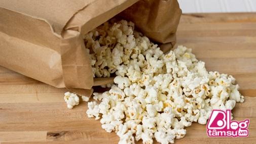 Chất flo độc hại còn xâm nhập vào thực phẩm từ bao giấy đựng bên ngoài.
