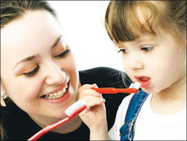 Sau đó tiến hành vệ sinh răng miệng(Ảnh: Internet)