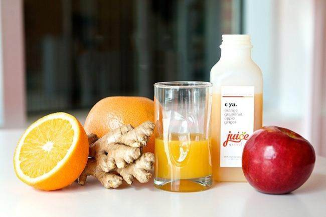 Nguyên liệu gồm những loại trái cây thông dụng.