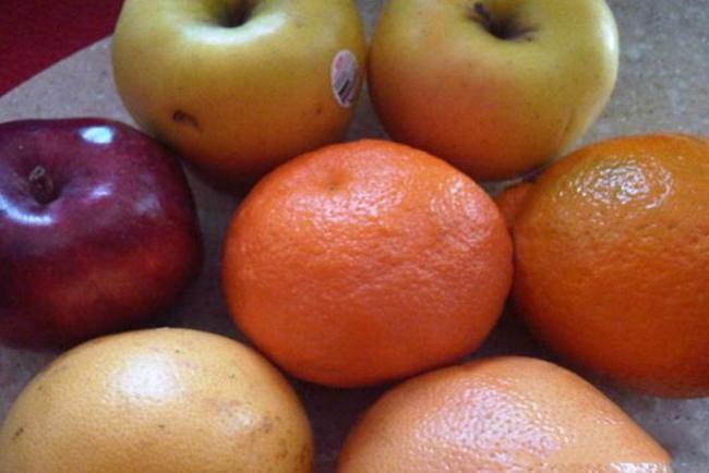 Bưởi, cam, táo, gừng vừa thanh lọc gan vừa giảm mỡ bụng.