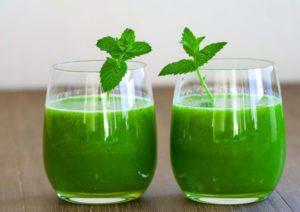Chữa đau dạ dày từ nước ép bạc hà được khá nhiều người áp dụng