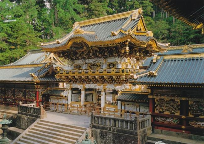 """Đền Toshogu nơi có """"bộ khỉ tam không"""" của nghệ nhân Hidari Jingoro."""