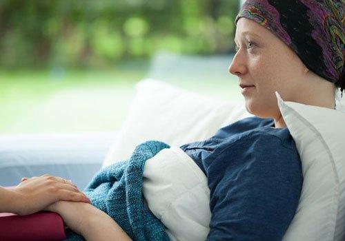 Chữa bệnh ung thư hiện nay vẫn là thách thức lớn đối với y học hiện đại