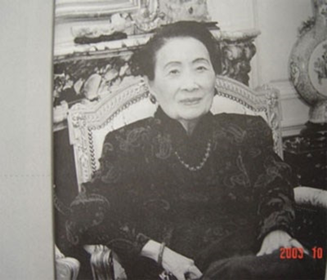 Niềm tin vào tín ngưỡng giúp Tống Mỹ Linh có được tâm hồn thanh thản (Ảnh: nguồn internet)