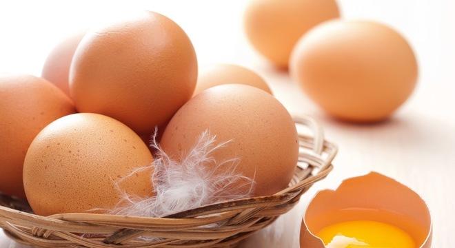 Người cảm sốt không nên ăn trứng gà