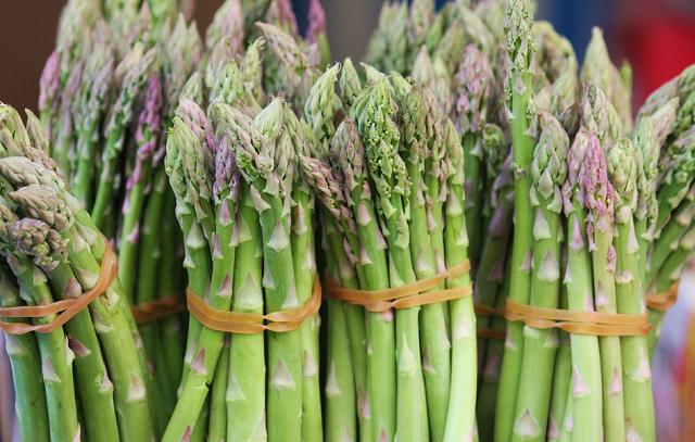 Măng tây đứng đầu trong top 30 30 loại thực phẩm thực vật có tác dụng phòng chống ung thư được thế giới công nhận. (Nguồn ảnh: Internet).