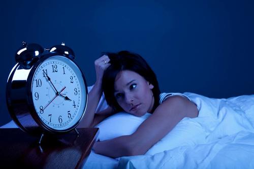 Không ngủ được sẽ làm bạn mệt mỏi suốt cả ngày hôm sau.